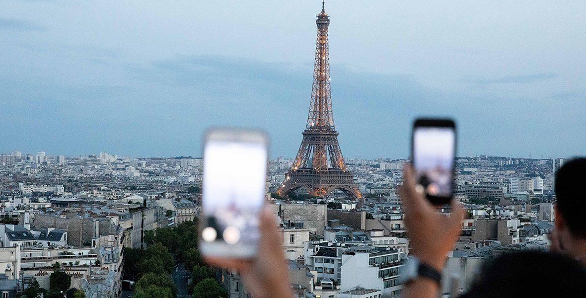 Снятие ограничений для туристов во Франции